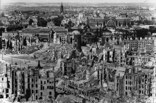 Dresden, zerstˆrtes Stadtzentrum